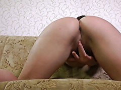 Hairy babe Vera began masturbate after bored with chess!