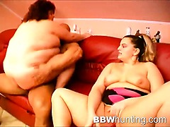 Amateur plumper threesome