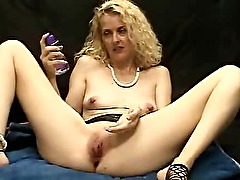 Giant double headed dildo insertion (both ends)