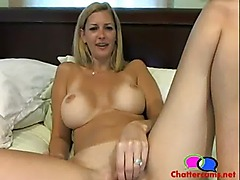 Nice Titties MILF Masturbating - Chattercams.net