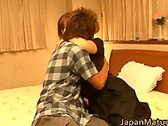 Japanese mature lady has great sex part2