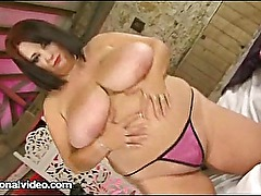 Sexy British Babe Meow 34JJ Plays With Her Fat Pussy