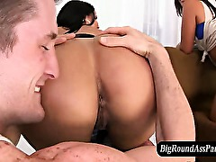 Big ass amateurs get rimjob and pussy licked