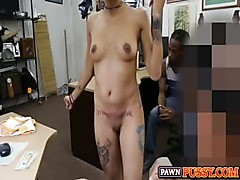 Guy lets his girlfriend get fucked at pawnshop for cash 987