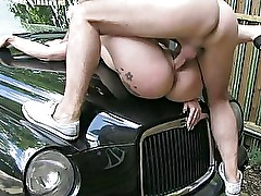 Amateur fucked on tophood of the taxi