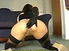 Mature amateur wife fisting her own pussy