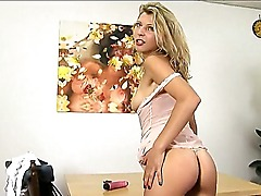 Blonde lady Krisei Luse is hot and horny babe and she loves to pose in front of the camera. He loves to exciting men with her flawless ass and elegant natural boobs.