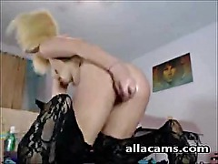 Blonde Girl show some Anal magic on webcam