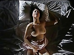 Gorgeous Asian Gets Herself Off