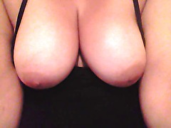 Batinas big tits &; nipples caught on webcam!!!