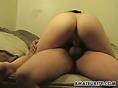 Amateur girlfriend gets anal fuck with creampie