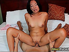 Amateur Asian Couple Fucking In A Motel Room