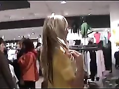 Amatuer sex in changing room