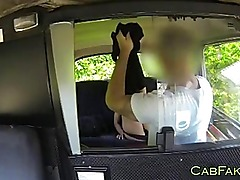 Amateur gets licked and fucked in taxi