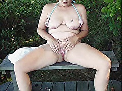 Crystal Cooze - A very sexy mature woman!