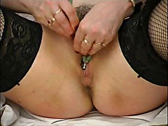 Hannah - classic amateur squirter plays doctor