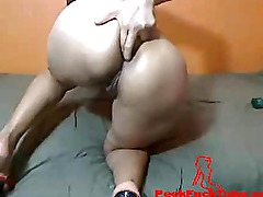 She finger her ass on webcam show