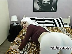 Hijab cutie girl on webcam
