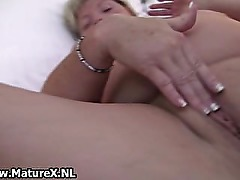 Blonde BBW lady fucks her own pussy part1