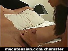 Amateur Asian gives brilliant blow job