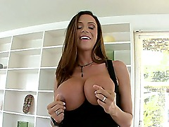 This week on Big Tit Creampie we have the sexy Ariella Ferrera and man this girl has some sexy ass tits and banging body. That bitch is so damn hot!