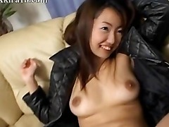 Sexy 20yo amateur from Japan sucking