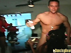 Amateur Fuck Orgy with Strippers