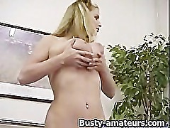 Mariah strips and toying her pussy