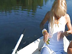 Great amateurs blowjob on the boat