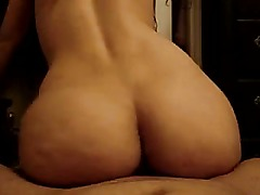 Amateur Latina broad enjoys sex