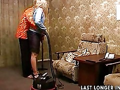 Mature amateur sex after cleaning