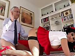 Old british guy gets to fuck hot bitch on the floor