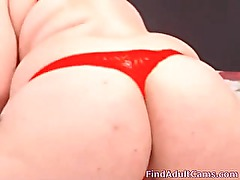 Busty BBW squirting on webcam