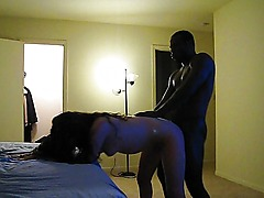 Amateur couple makes it doggystyle