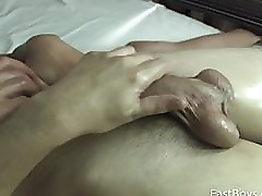 18 Twink Gets First Handjob - Cumshot