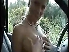 White Girl Gives Blowjob in Car