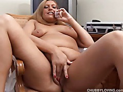 Chubby big tits amateur loves to rub her fat juicy pussy while talking dirty on the phone