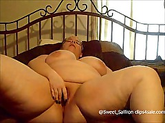 Redheaded BBW Cums with Glass Dildo