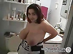 Big boob KIKI wet in bath playing with big naturals