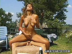 Amateur girlfriend outdoor groupsex with cumshots